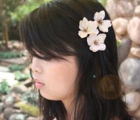 Flower hair clip, we..