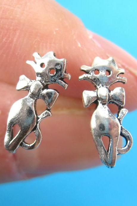 Small Kitty Cat Animal Stud Earrings in Sterling Silver