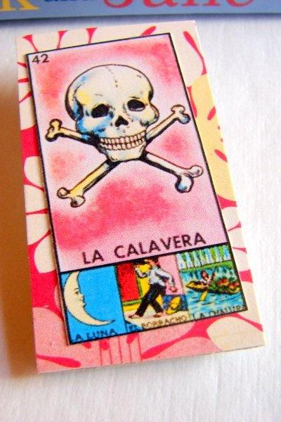 La Calavera The Skull - Mexican Loteria Card - Paper and Chipboard Collage Decoupage Pin Brooch Badge - Vintage Hispanic