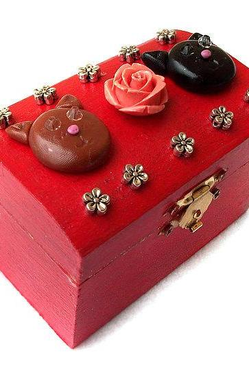 ON SALE Love Cats Box, Polymer Clay, Wooden, handpainted, handmade, ooak, red, rose