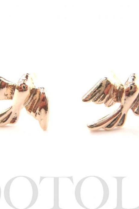 Dove Sparrow Love Birds Stud Earrings in Light Gold
