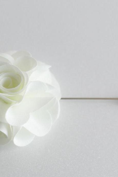 Ivory Silky flower Men boutonniere lapel pin