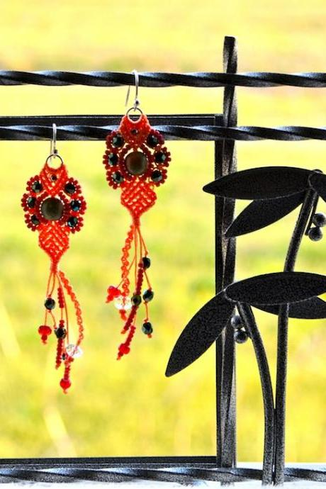 Micro Macrame Pattern Bubbly Tear Drops Earrings