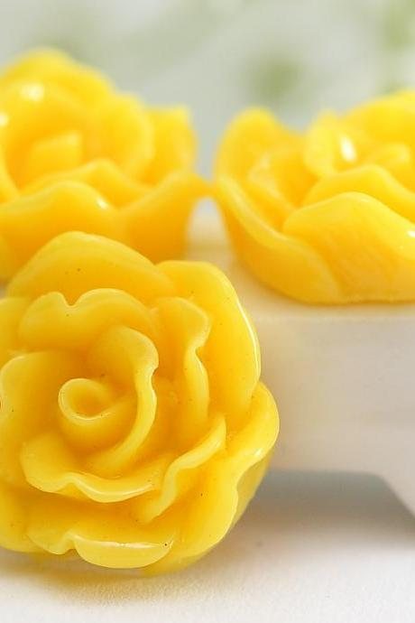 Yellow Flower Resin Cabochons 12pc