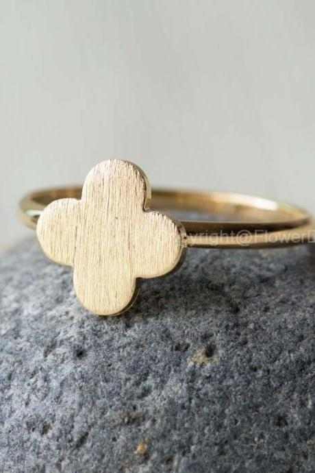 Cute Clover adjustable ring in Gold