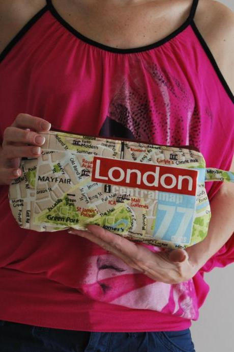 Clutch London Map with red green and blue prints by El rincón de la Pulga