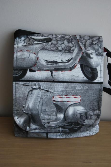 Motorcycle messenger bag by El rincón de la Pulga