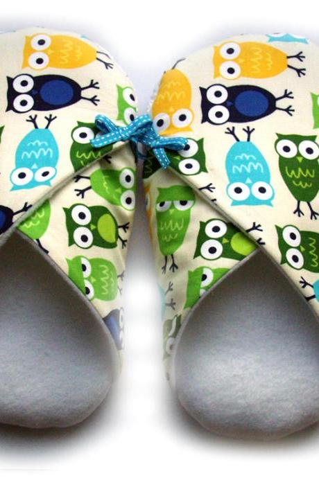 Womens Slippers, Owls, in sizes S M and L