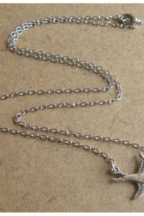 Bird Chain Necklace, Simple Everyday Jewelry, Elegant gift, Bridesmaid Gift, Bridal Wedding Jewelry