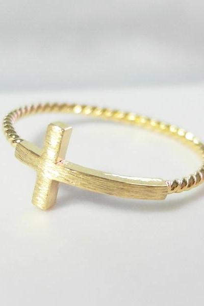 Sideways cross ring 6.5 size in gold , twisted ringband , everyday jewelry, delicate minimal jewelry