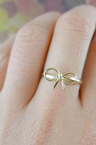 bow ring in gold