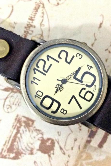 Handmade Vintage Big Arabic Numerals Face Leather Watchband Unisex Wrist Watch For Men Lady Retro Round Quartz Dark Brown