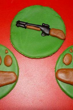 12 Fondant Hunting Themed Cupcake Toppers- FALL SALE Save up to 35% off your order (see shop front for details)