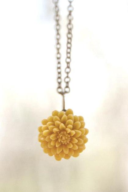 Mustard Yellow Chrysanthemum Flower Necklace Vintage Style perfect for Bridesmaid gifts - Honeycomb