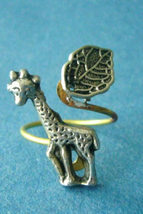 giraffe ring with a leaf wrap style, adjustable ring, animal ring