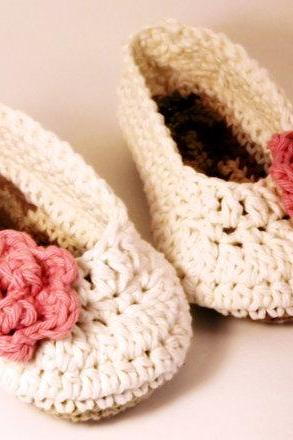 Antique ivory baby booties with pink rose