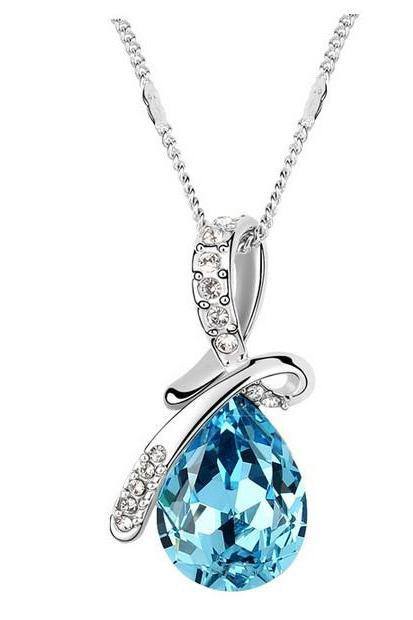 Fashion And Beautiful Austrian Jewelry Crystal Necklace - Light Blue