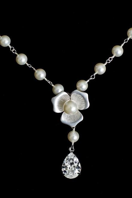Bridal Necklace, Bridal Pearl Neklace, Swarovski Pearls and Swarovski Teardrop Rosary Style Necklace, White/Ivory Swarovski Pearls Necklace