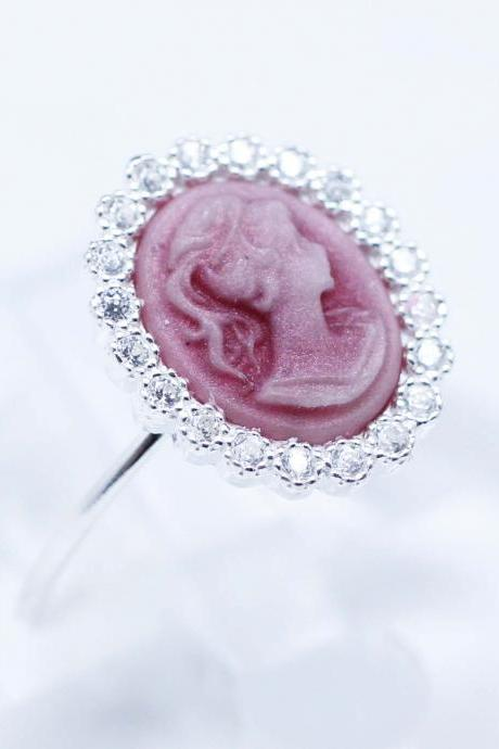 Classic Cameo Ring detailed with CZ in Pink