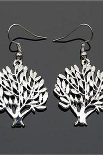 vintage cute tree earrings