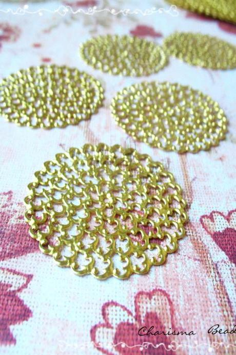 8 Brass Vintage Filigree Connectors Beads, Lead Free, Round, 48mm, Hole: 2mm