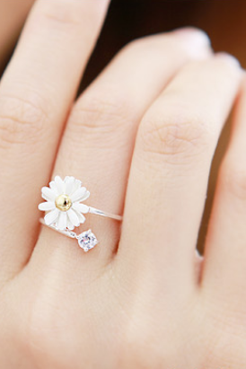 Cute Daisy Flower Stretch Ring