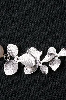 Orchid Flower on sterling Silver Necklace,flower jewelry,flower girl,wire wrapped pearl,bridesmaid gifts,Wedding jewelry