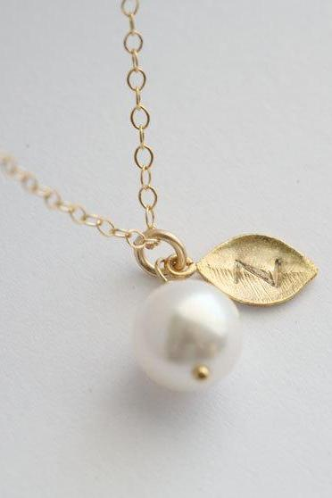 Wedding Jewelry,Initial Pendant Pearl necklace, Personalized Monogram Necklace,Gold Leaf charm Necklace, Bridesmaid gifts,