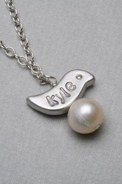 Bird initial necklace,Mother Jewelry,Parent initial,Grandma Gift,Bridesmaid gifts,Wedding Jewelry
