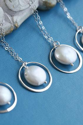 Set of 4,Bridesmaid necklace,Eternity Circle Necklace,Coin Pearl,Bridesmaid gifts,Wedding jewelry,Pearl Necklace,Wire wrapped