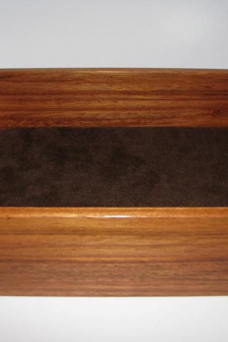 Valet Tray in Brazilian Cherry. 9' x 6.75' x 2.75'