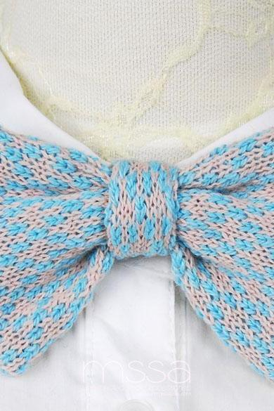 Knitted bow tie in diamond pattern
