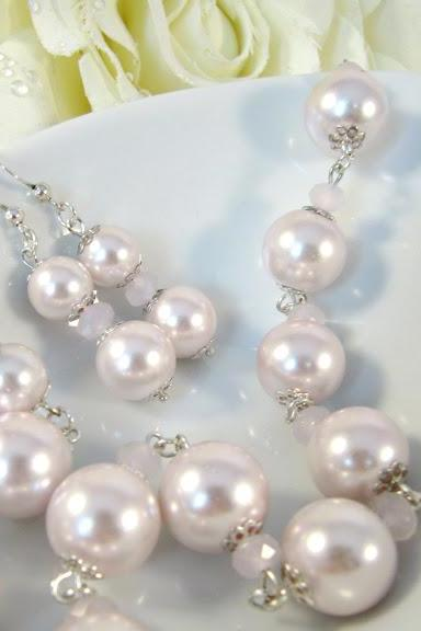 Romantic pink pearl necklace and matching pink earrings, romantic jewelry