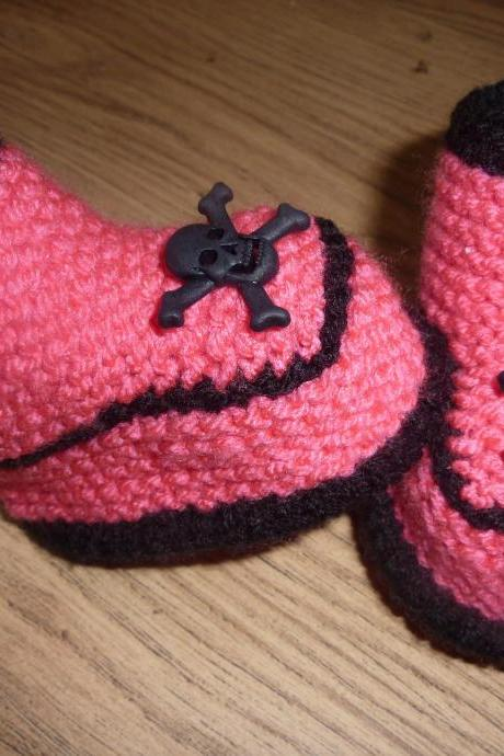 SKULL BABY BOOTIES, HAND KNITTED 0-3 MONTHS