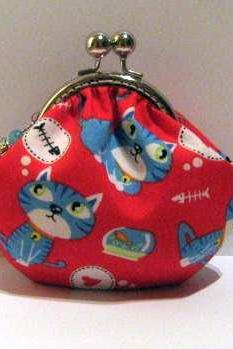 Cat on red frame pouch - frame purse