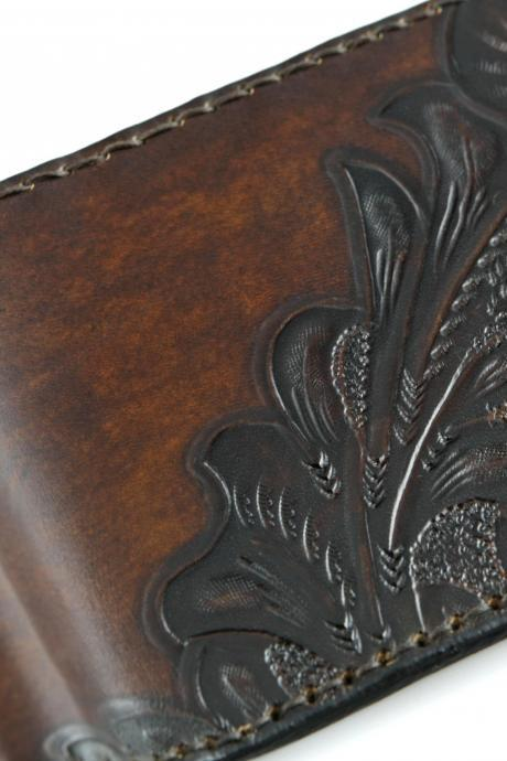 Hand-tooled Italian Leather Wallet for man. Carefully hand-crafted in Italy. Personalized with initials or name.