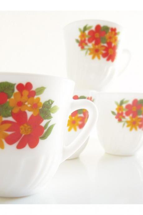 Hippie tea cups. Set of 5 from the 60's. Orange, red, green, flowers.