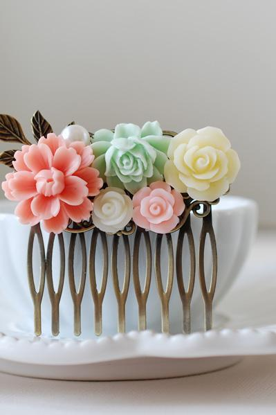 Peach Pink Mint Green Ivory Flowers Hair Comb. Antique Brass Filigree Hair Comb. Wedding Bridal Hair Comb, Bridesmaid Hair Comb