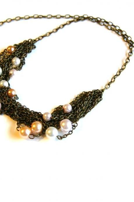 Light Pearls with Brass Chain Necklace