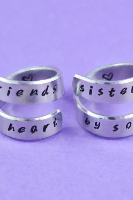 friends by heart / sisters by soul - Hand Stamped Spiral Rings Set, Shiny Aluminum Rings, Friendship, BFF Gift, Personalized Gift, Handwritten Font