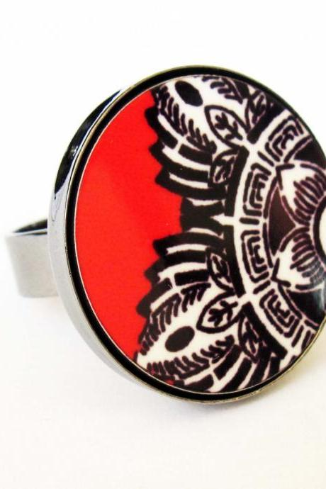 Baronyka Indian Flower In Black White Red Ring