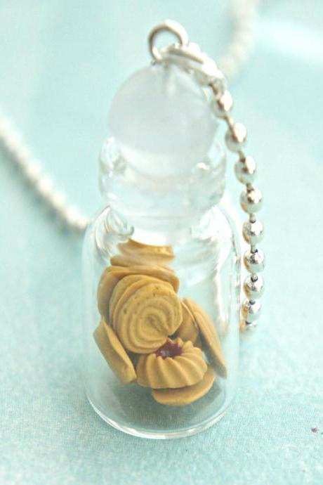 butter shortbread cookies in a jar necklace