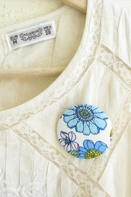 Flowered fabric button brooch -spring outfit