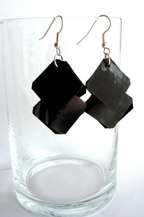 Black earrings made of recycled plastic bottle, eco-friendly, upcycled jewelry, goth, modern, rocker, minimalist