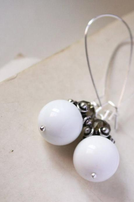 white and grey earrings - glass anc crystal - white andr gray grey silver smoke elegant modern minimal