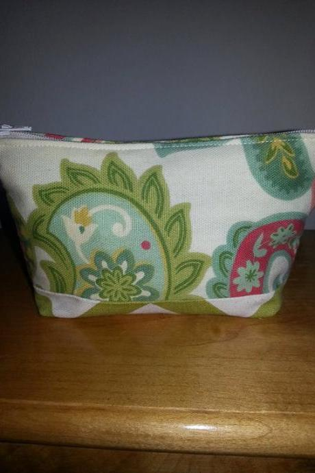 Medium Green Paisley Make-up Pouch