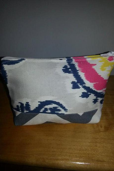 Medium Navy Medallion Print Make-up Pouch