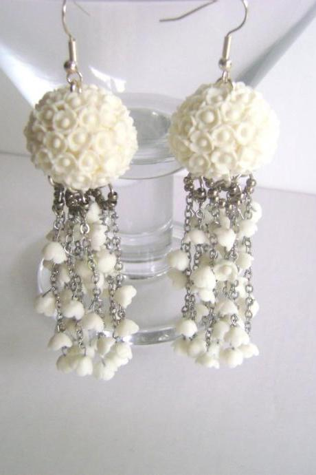 Wedding Jewelry. Bridal Earrings.White Flower Earrings