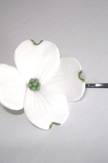 Wedding Hair Fascinator. White Dogwood Hair Pin. Bridal/Bridesmaid/Flower Girl Hair Pin