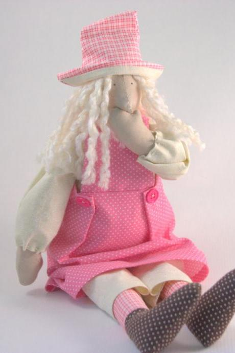 Cloth doll Easter decor 'Gossip Girl'
